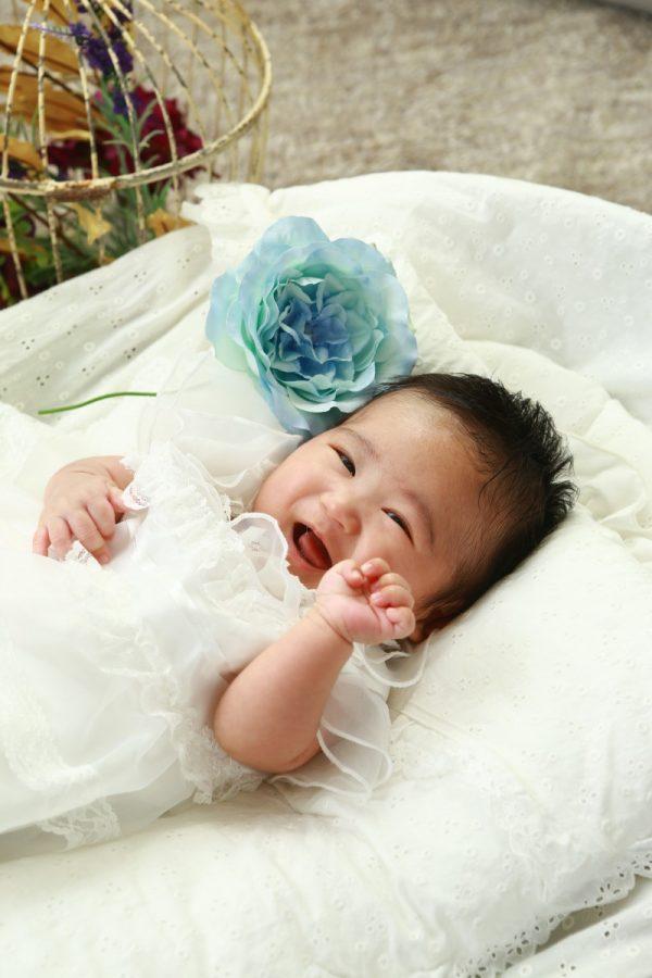 くりくり 可愛い瞳の赤ちゃん(*^-^*)
