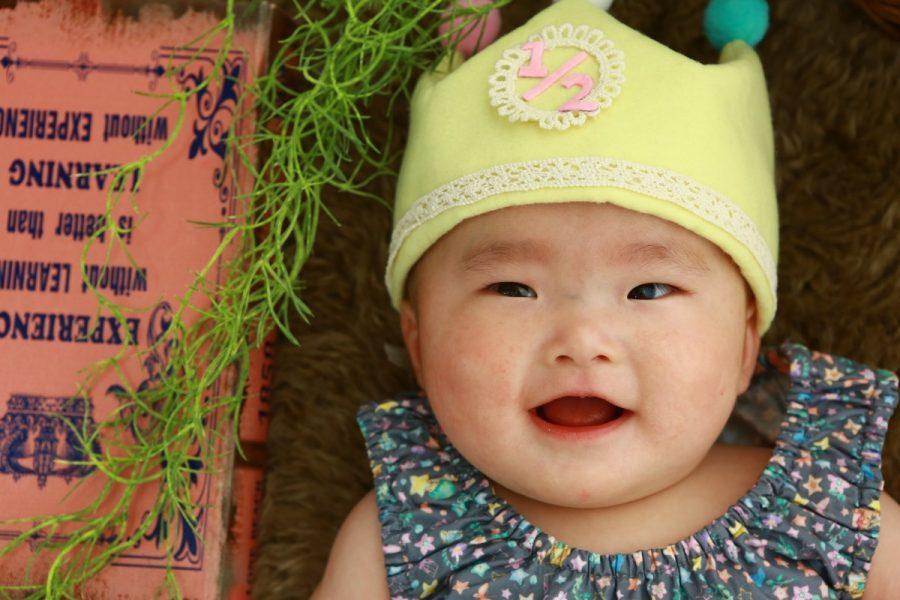 表情豊かな 可愛い赤ちゃん( *´艸`)
