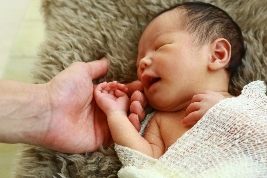 生まれたての赤ちゃん ニューボーン