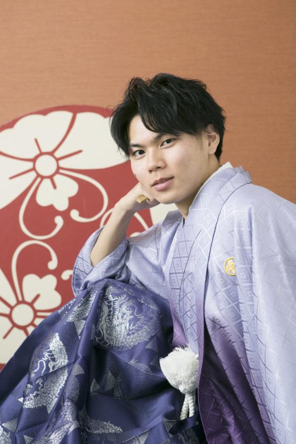 イケメンの袴姿 成人男性