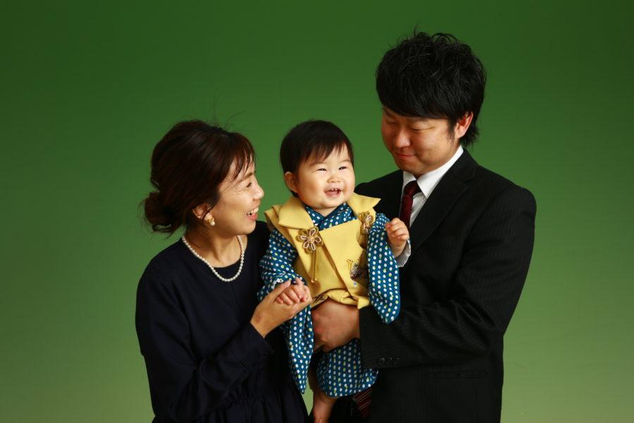パパママとのショット最高の笑顔 初節句