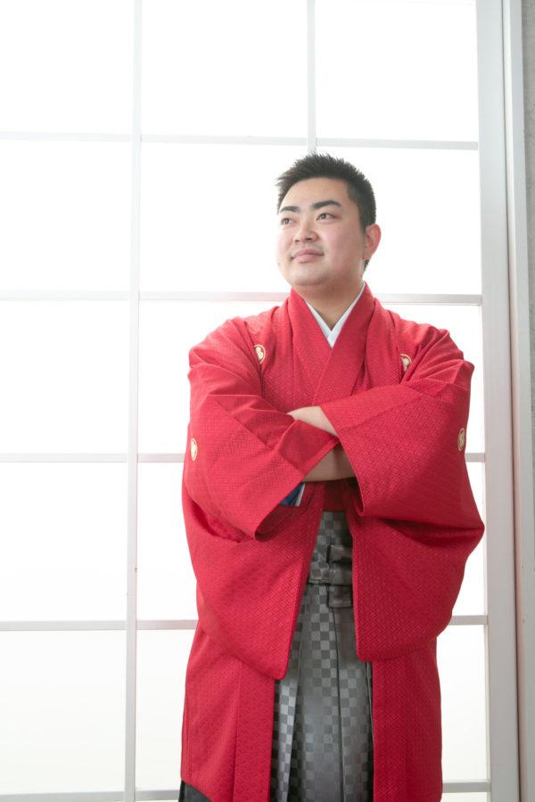 真っ赤な着物がよくお似合いの成人袴